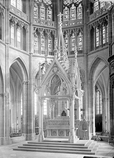 Cathédrale Saint-Cyr-et-Sainte-Julitte Vue intérieure du choeur : face principale du ciborium, Mieusement, Médéric (photographe),