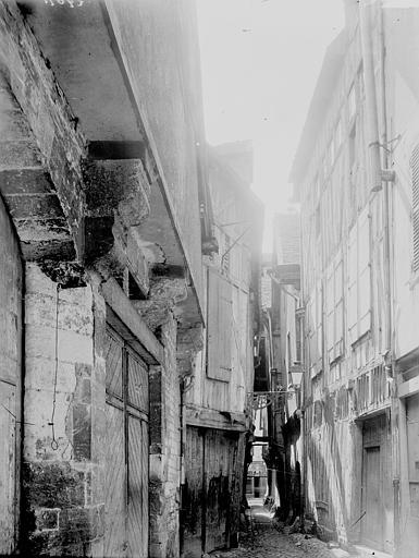 Vieille rue: vue perspective, Enlart, Camille (historien),