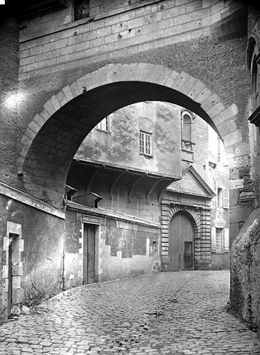 Logis Barrault Entrée sur la rue, Carlier (photographe),