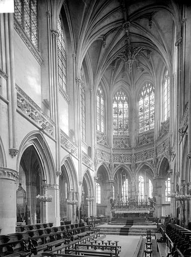 Eglise Saint-Pierre Vue intérieure du choeur, Heuzé, Henri (photographe),