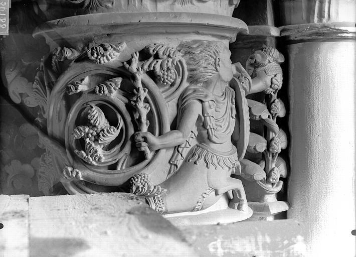 Cathédrale Notre-Dame Chapiteau du troisième pilier de la chapelle absidiale, à droite, Lajoie, Abel,