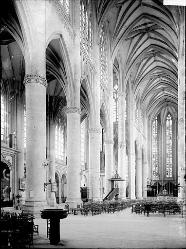 Basilique Saint-Nicolas Nef vue de l'entrée, Enlart, Camille (historien),