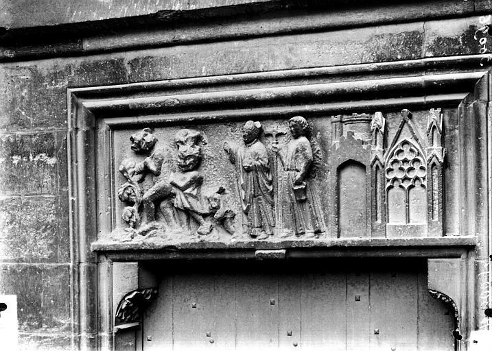 Cathédrale Notre-Dame Petit portail sud ou porte rouge, linteau, Lajoie, Abel,