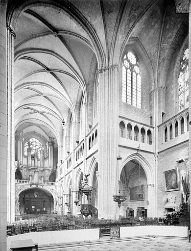 Cathédrale Saint-Bénigne Vue intérieure de la nef et du transept nord, vers le nord-ouest, Heuzé, Henri (photographe),
