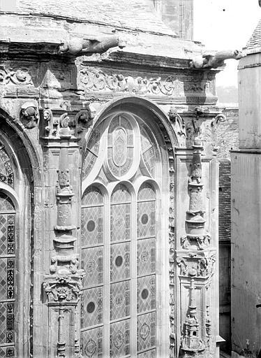 Eglise Notre-Dame-de-Froide-Rue (ancienne) ou Eglise Saint-Sauveur (actuelle) Abside : Fenêtre, Durand, Jean-Eugène (photographe),