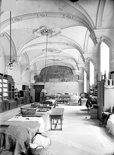 Abbaye Sainte-Marie-Majeure (ancienne), hôpital civil Réfectoire (aile nord) : Vue intérieure, Queste, P. photographe),