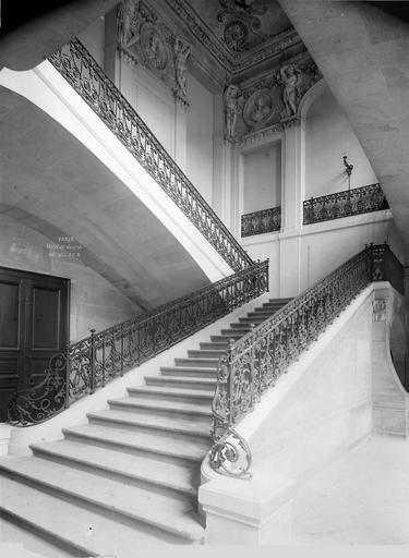 Hôtel de Juigné Escalier, trois-quart face, Durand, Eugène (photographe),