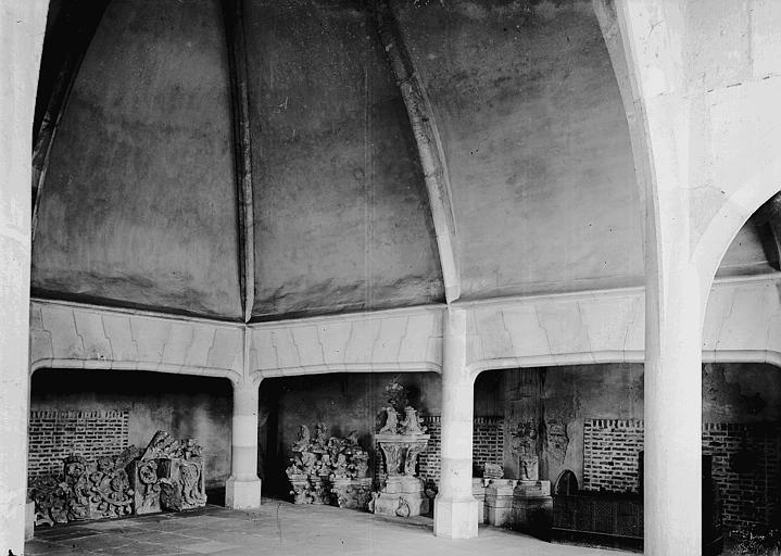 Palais ducal Cuisines, Enlart, Camille (historien),