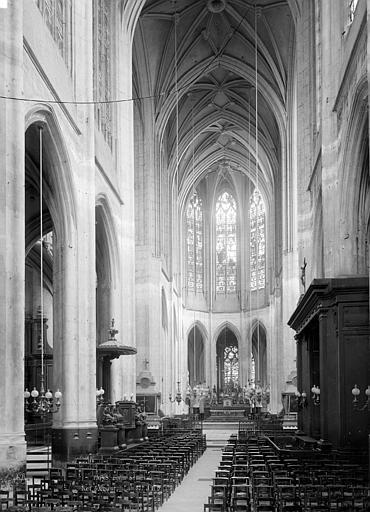Eglise Saint-Gervais-Saint-Protais Nef, vue de l'entrée, Durand, Eugène (photographe),