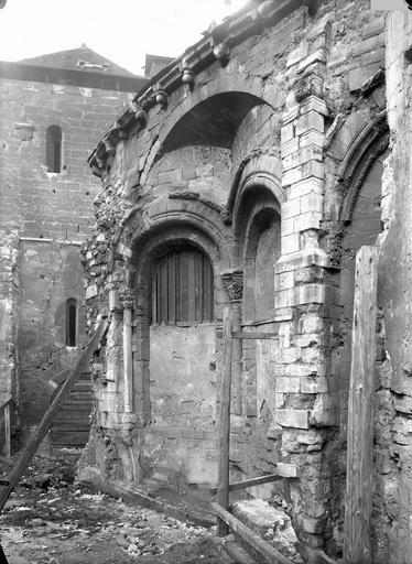 Abbaye Saint-Martin-des-Champs (ancienne)/Eglise Saint-Martin-des-Champs Abside, arcs et décharge, en hauteur, Durand, Eugène (photographe),