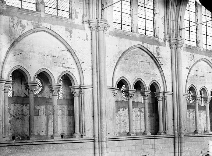 Abbaye Saint-Nicolas (ancienne) Eglise, triforium de la nef, Durand, Eugène (photographe),