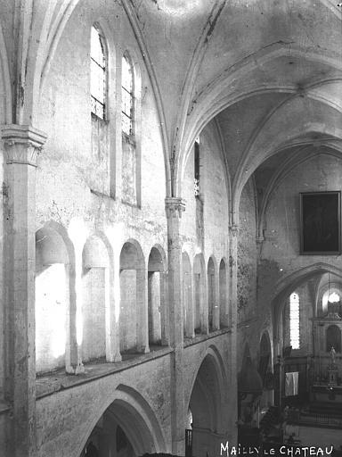 Eglise Nef, vue de la tribune, Louzier (photographe),