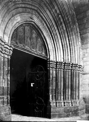 Collégiale Saint-Martin Portail, Enlart, Camille (historien),