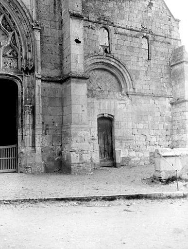 Eglise Partie de la façade ouest, Chaine, Henri (architecte),