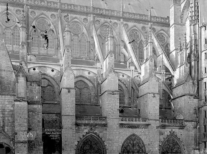 Cathédrale Saint-Etienne Façade nord de la nef, Durand, Eugène (photographe),