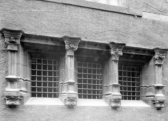 Maison des Consuls Fenêtres, côté est, Durand, Jean-Eugène (photographe),