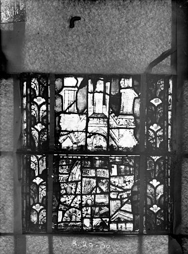 Eglise Saint-Gengoult Vitrail du transept nord, fenêtre B, 4ème lancette, panneaux au dessus 29, 30, Romanais (photographe),