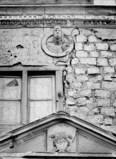 Maison/Hôtel Maupinot Cour, détail, Verneau, G.,