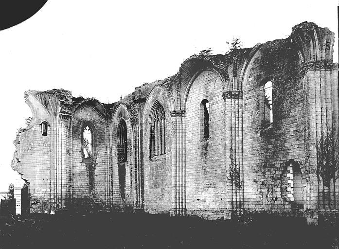 Abbaye Notre-Dame de la Couronne (ancienne) Mur nord de la nef, Heuzé, Henri (photographe),