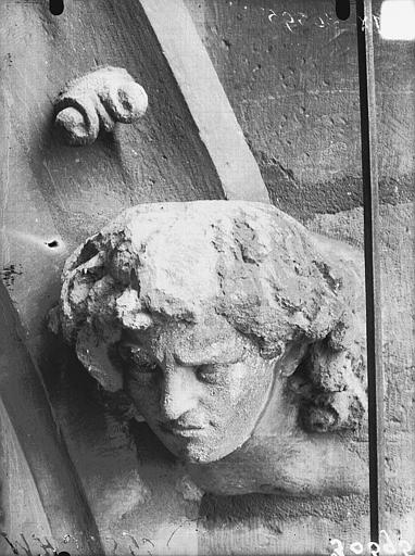 Cathédrale Notre-Dame Arc de l'abside, tête d'amortissement, Lajoie, Abel,