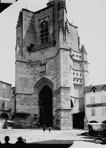 Eglise Notre-Dame (ancienne collégiale) Clocher-porche, Enlart, Camille (historien),