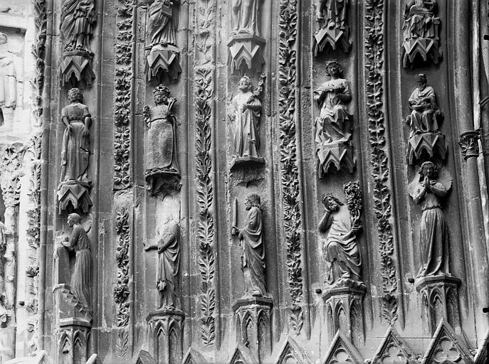 Cathédrale Notre-Dame Portail ouest, porte centrale, partie inférieure de la voussure gauche, Lajoie, Abel,