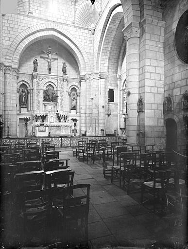 Eglise Saint-Hilaire-de-la-Celle ; Chapelle des Carmélites Vue intérieure de la nef vers le choeur, Gossin (photographe),