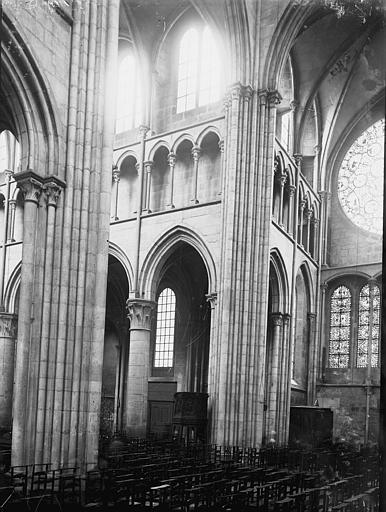 Eglise Notre-Dame Croisée du transept, Enlart, Camille (historien),