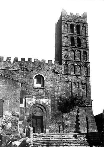 Eglise Façade ouest et clocher, Mestral ; Le Gray, Gustave (photographe),