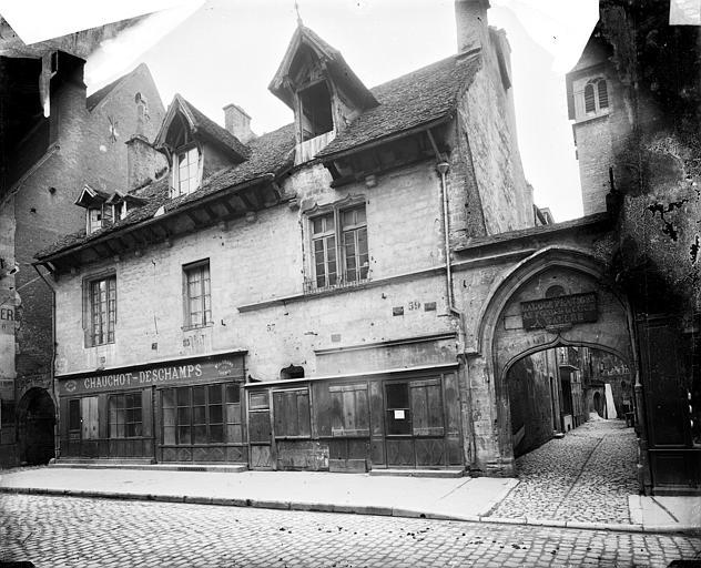 Hôtel de Pourlans (ancien) Vue d'ensemble, Delaunay (photographe),