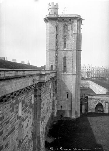 Château Porte nord, vue de profil, Mieusement, Médéric (photographe),
