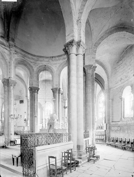 Eglise Déambulatoire, Heuzé, Henri (photographe),