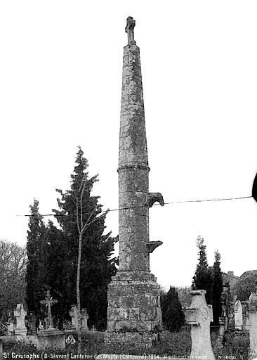 Lanterne des Morts Côté nord, Mieusement, Médéric (photographe),