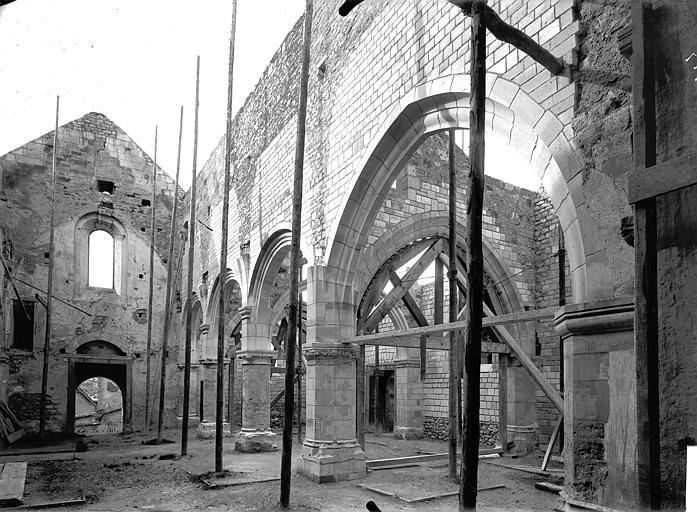 Eglise Saint-Rémi Nef, vue du choeur, Service photographique,