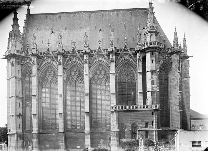 Chapelle Ensemble sud, Enlart, Camille (historien),