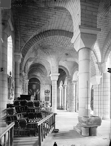 Eglise Saint-Hilaire-le-Grand Vue intérieure du bas-côté sud, vers l'ouest, Gossin (photographe),