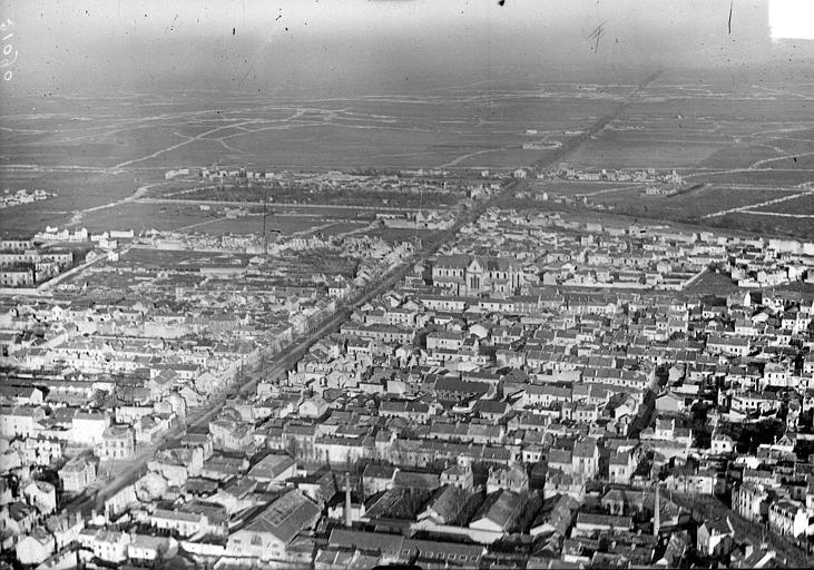 Vue aérienne du quartier du faubourg Saint-André, Hermier ; Goubeau (photographe),