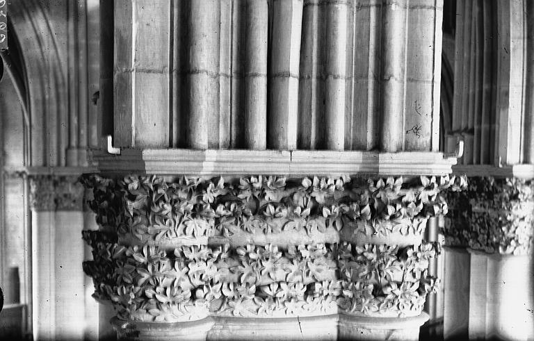 Cathédrale Notre-Dame Nef, deuxième chapiteau, Lajoie, Abel,