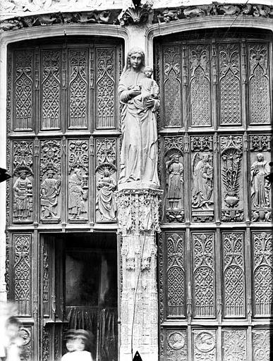 Eglise Saint-Gervais-Saint-Protais Portail nord, la Vierge et l'Enfant, vantaux, Gossin (photographe),