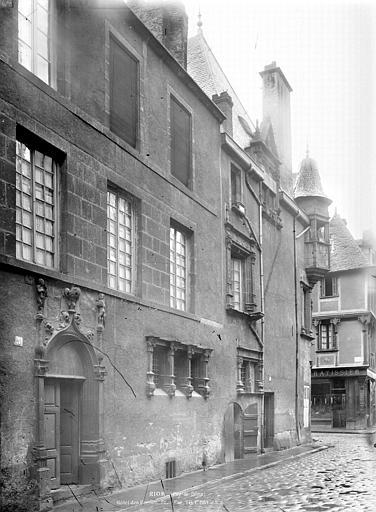 Maison des Consuls Façade sur rue, côté est, Durand, Jean-Eugène (photographe),