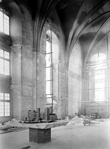 Palais des Papes Chapelle de Clément VI : Vue intérieure vers l'angle sud-ouest, Durand, Jean-Eugène (photographe),