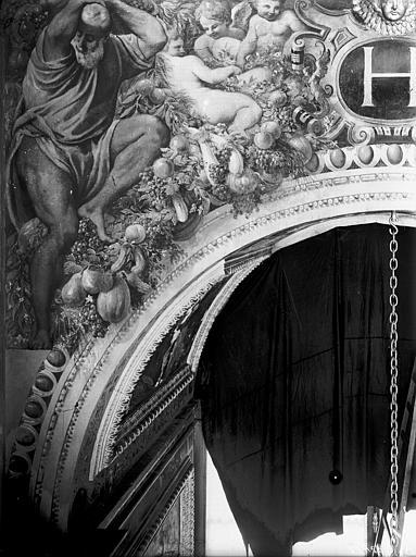 Domaine national, château Peintures murales de la galerie Henri II, écoinçon gauche, Service photographique,