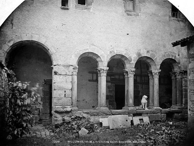 Prieuré Saint-Sauveur (ancien) Cloître, Durand, Eugène (photographe),