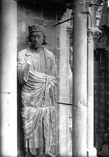 Cathédrale Notre-Dame Statue de roi, contrefort de la tour sud, Lajoie, Abel,