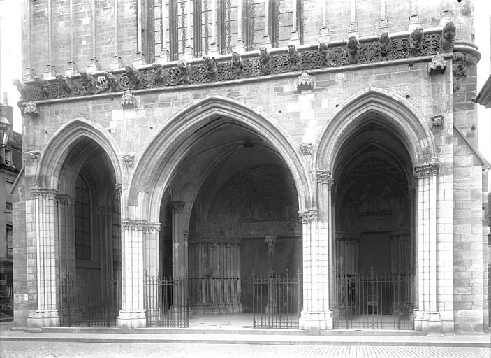 Eglise Notre-Dame Porche de la façade ouest, Durand, Jean-Eugène (photographe),