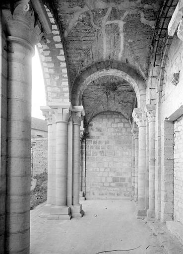 Eglise Saint-Nicolas (ancienne) Porche de la façade ouest : Vue intérieure, Durand, Jean-Eugène (photographe),