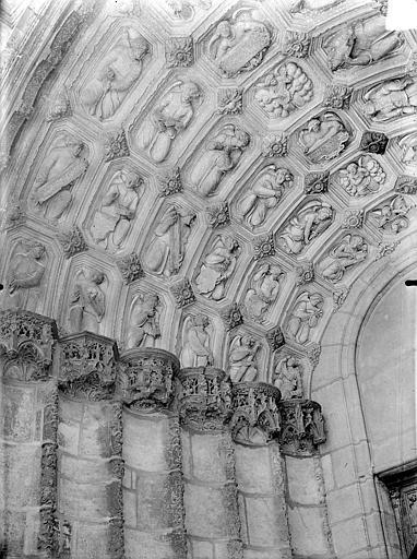 Eglise Saint-Michel Portail nord de la façade ouest : Voussures de gauche, Gossin (photographe),