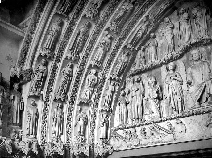 Cathédrale Saint-André Portail royal de la façade nord : voussures et partie gauche du tympan, Mieusement, Médéric (photographe),