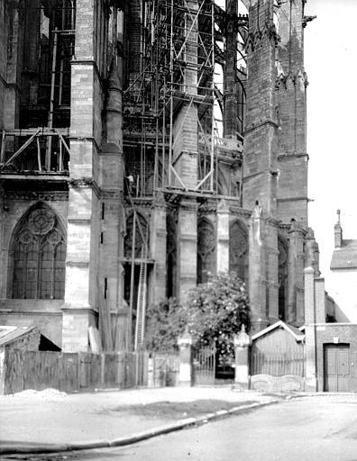 Cathédrale Partie inférieure de l'abside, Chaine, Henri (architecte),
