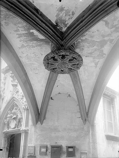 Hôtel Savaron Cour intérieure : Voûte du passage, Lefèvre-Couton (photographe),